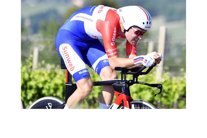Giro 100 Dumoulin Vola Contro Il Tempo E Si Veste Di Rosa